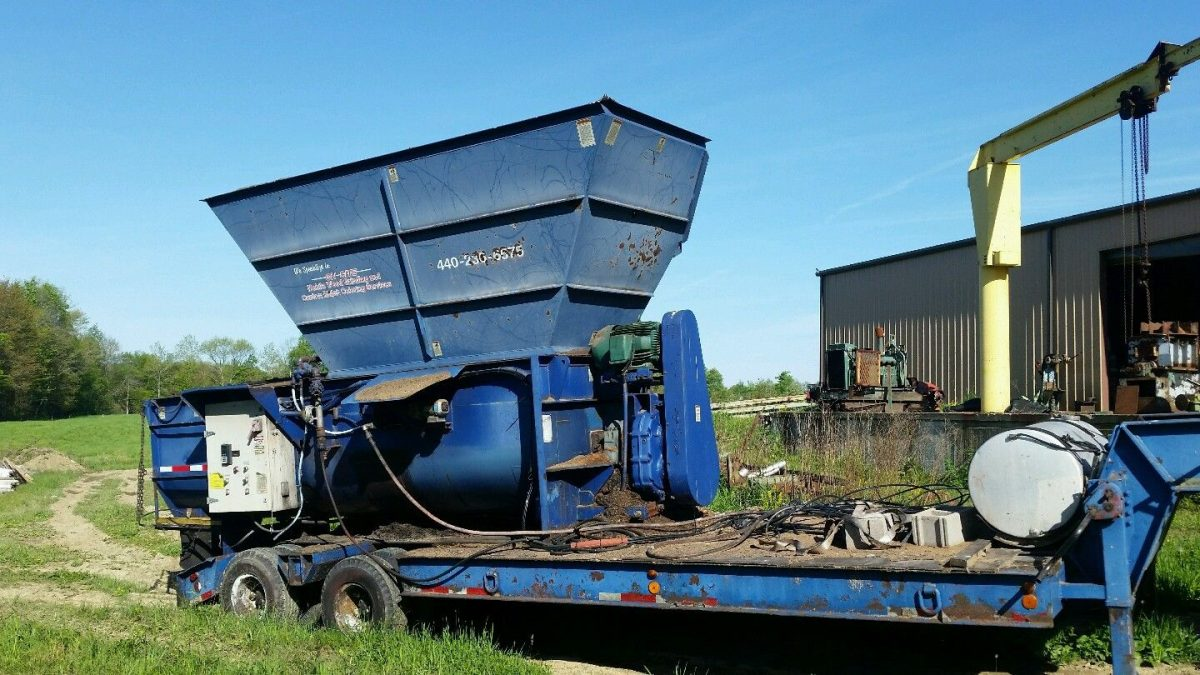 2002 Becker Underwood Second Harvester
